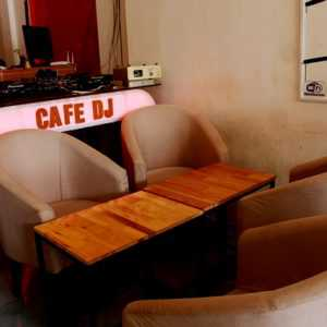 Cafe DJ Vanbass